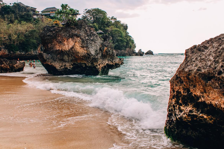 Uluwatu - Tempel, einsame Buchten und der schönste Infinity-Pool auf Bali - Padang Padang Beach
