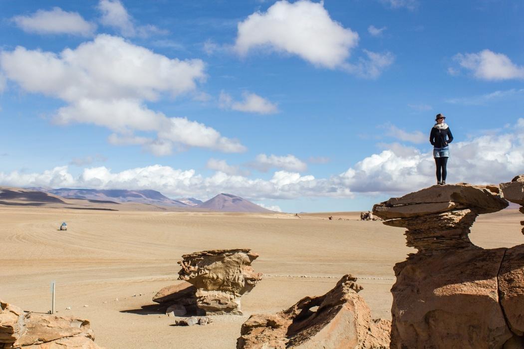 Salar de Uyuni Tour: Jeep Tour über die Lagunenroute in Bolivien - Klettern am Arbol de Piedra