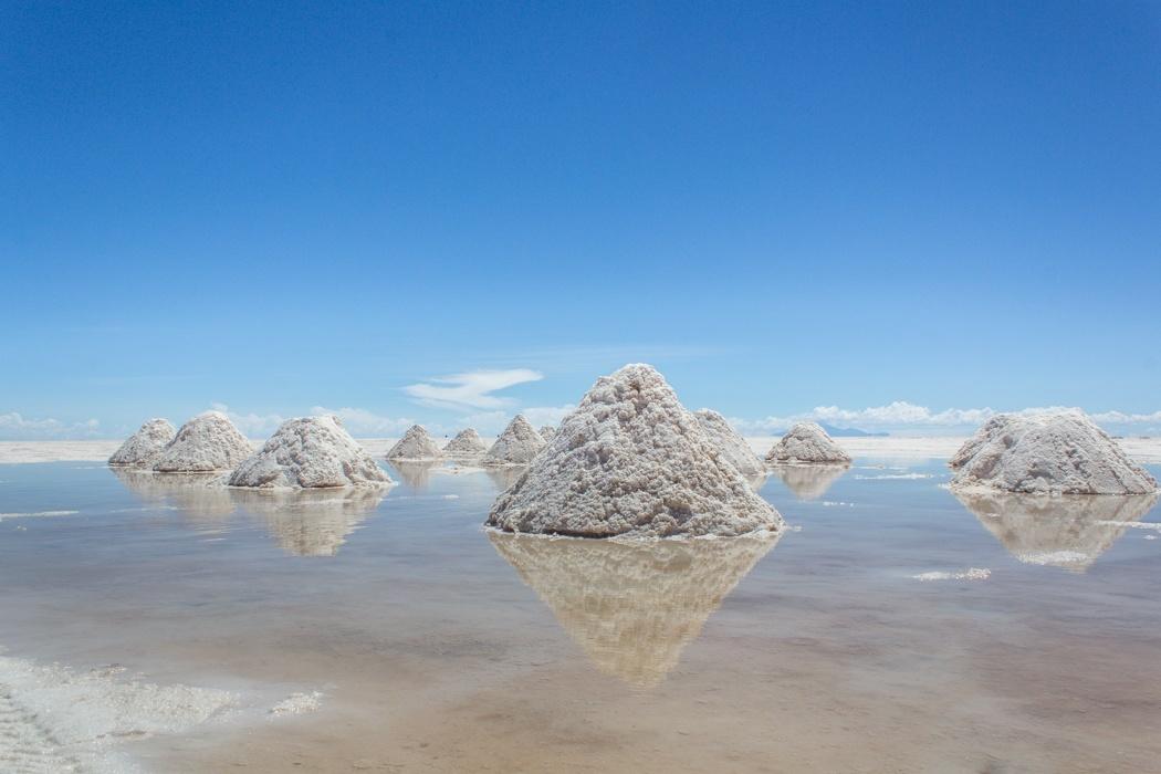 Salar de Uyuni Tour: Jeep Tour über die Lagunenroute in Bolivien - Salzabbaufelder in dem Salar de Uyuni
