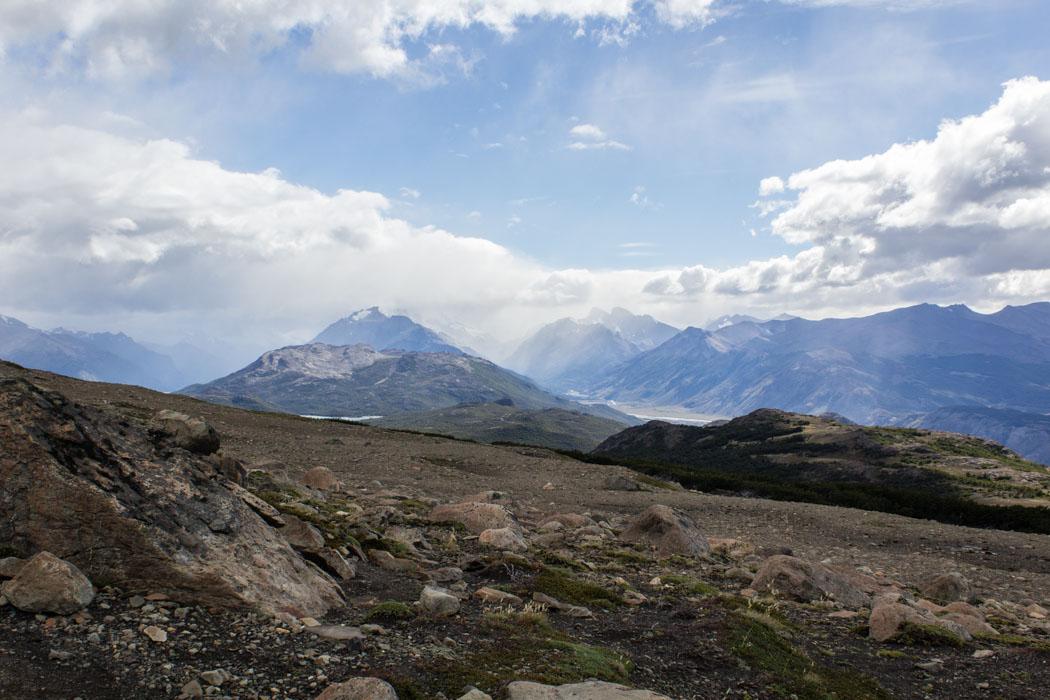 El Chaltén - Wanderung zum Loma del Pliegue Tumbado - Blick zum Fitz Roy Massiv