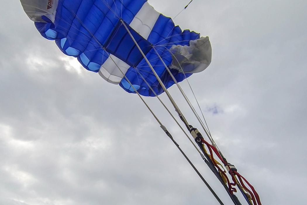 Fallschirmsprung-Haren-27