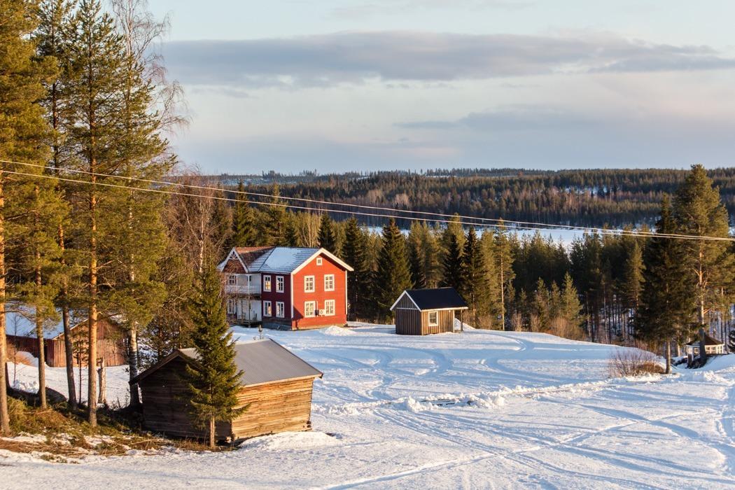Schwedisch Lappland - 7 Abenteuer, die du erleben musst! z.B. Schneemobil Safari durch schöne Landschaften