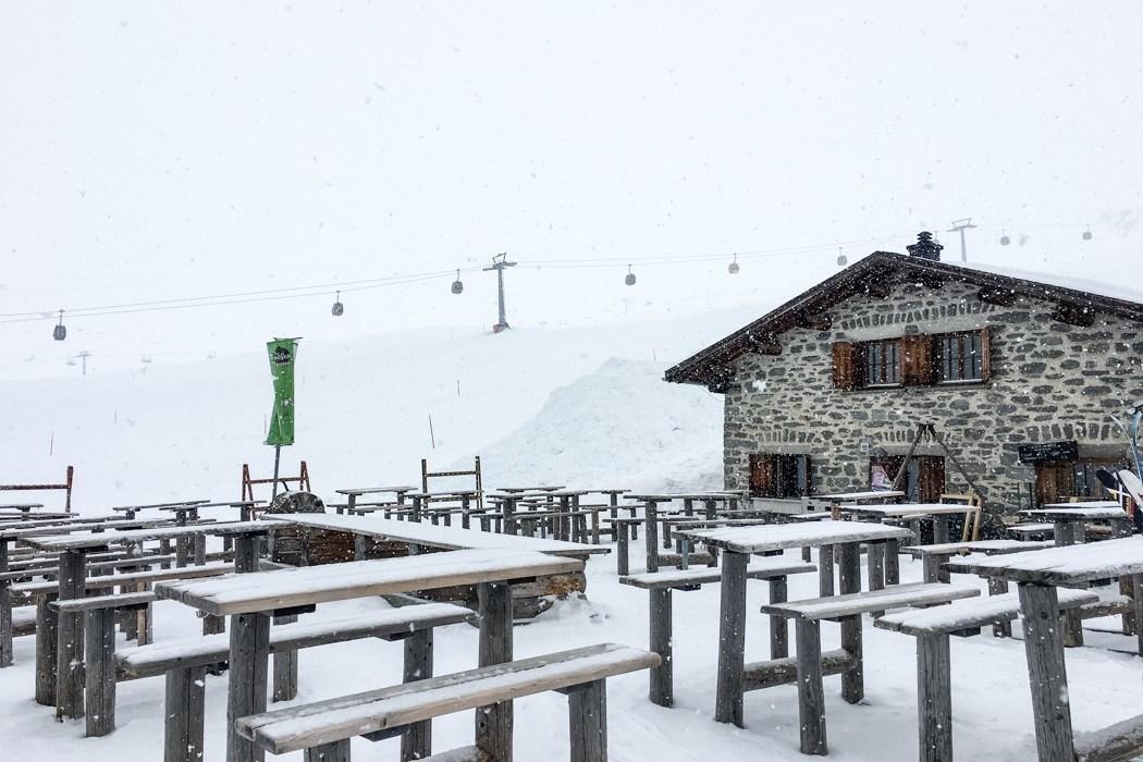 #DiscoverLaax - Winter Fun, Freestyle & Genuss: Hüttenfrühstück im Skigebiet