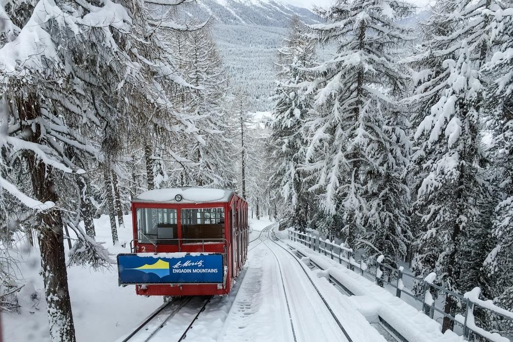 St. Moritz & das Rezept für ein perfektes Schneewochenende: Muottas Muragl Zahnradbahn