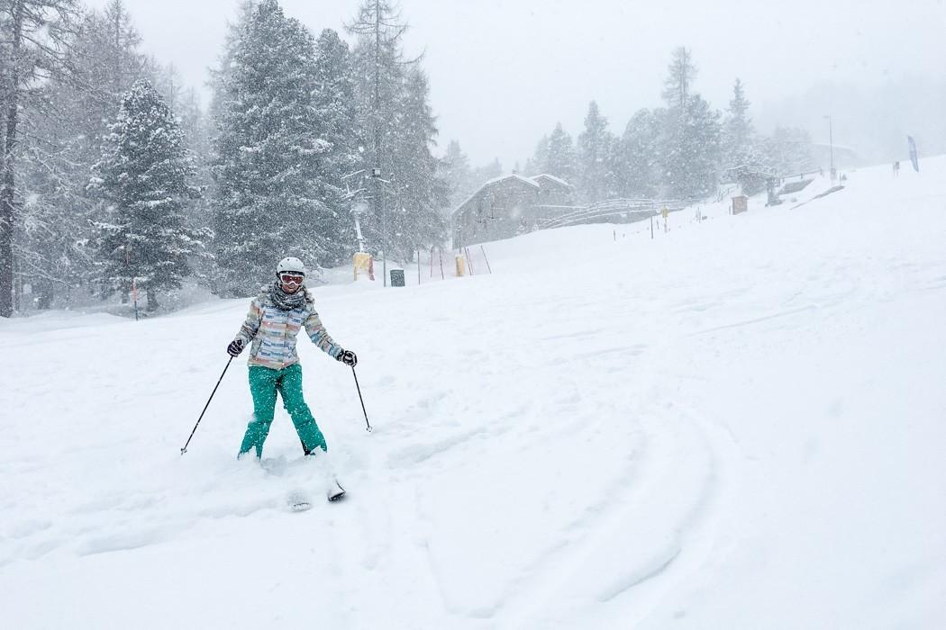 St. Moritz & das Rezept für ein perfektes Schneewochenende: Kulm Hotel St. Moritz, Yoga on Snow / Skiyoga, Tiefschnee