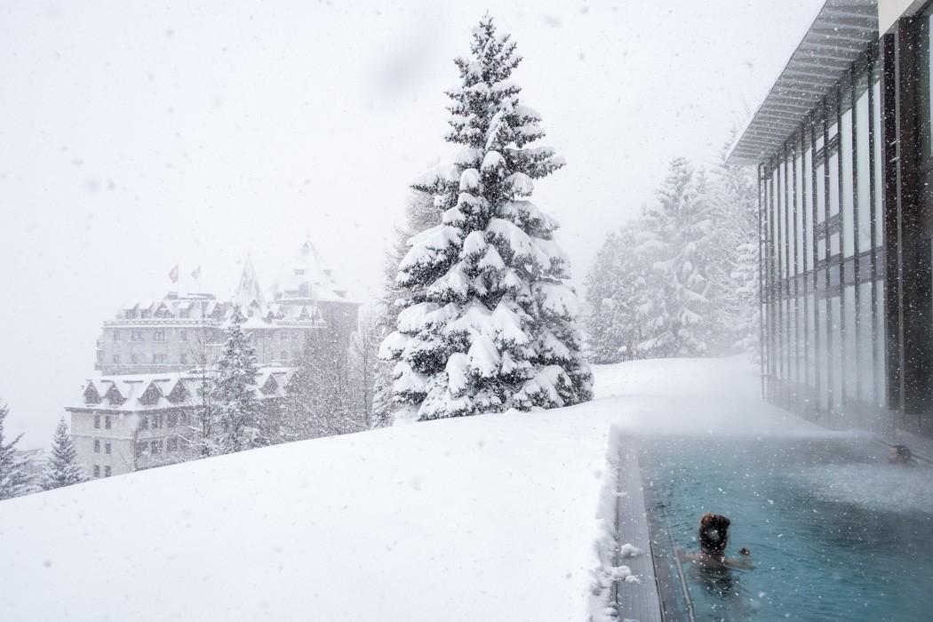 St. Moritz & das Rezept für ein perfektes Schneewochenende: Kulm Hotel St. Moritz, Infinity Pool