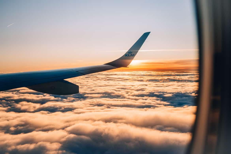 Günstige Flüge finden - Meine 10 Tipps zum Sparen bei der Flugbuchung: Über den Wolken