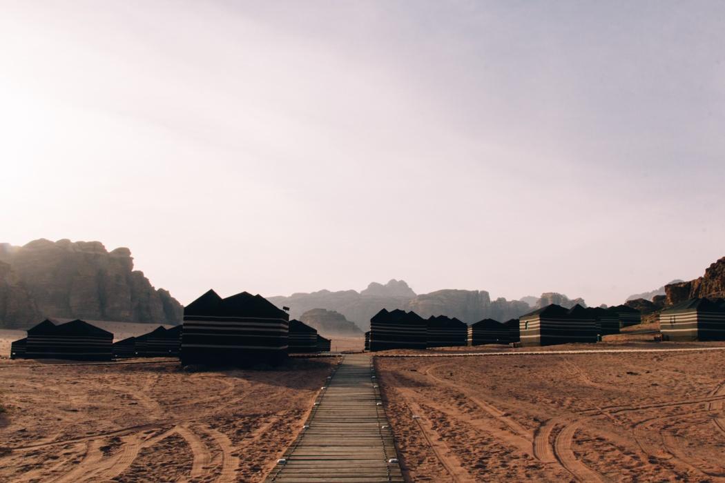 Abenteuer Jordanien: Wadi Rum - Wüstensafari und Camp Vibes