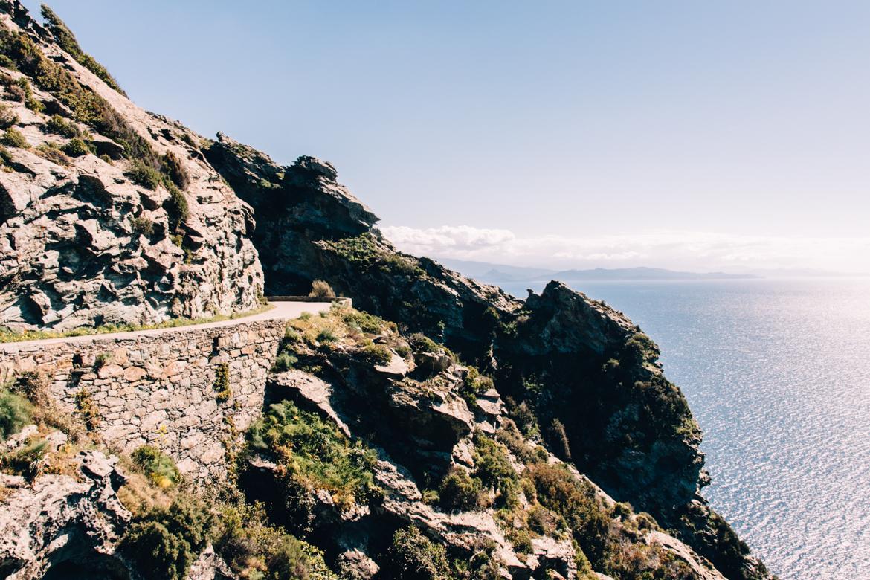 Urlaub auf Korsika - die szenischsten Straßen zum Beispiel am Cap Corse