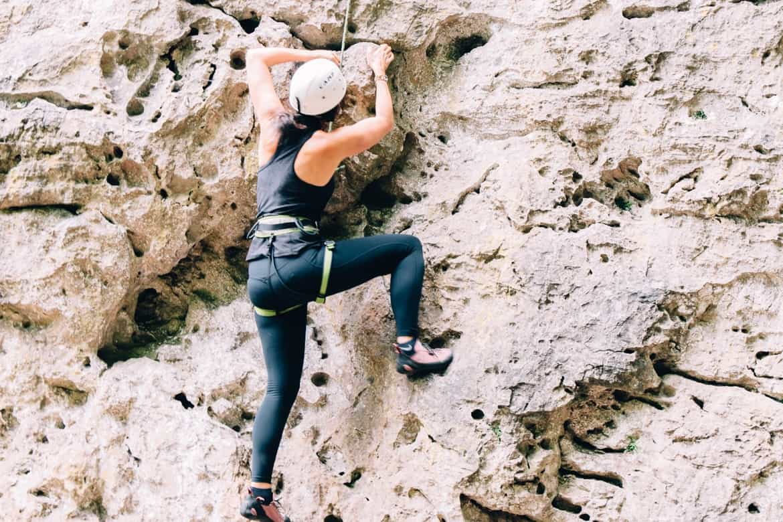 Lozere - Klettern auch für Anfänger im Cirque des Baumes: Griff für Griff, Tritt für Tritt