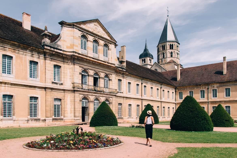 Burgund - Streifzüge durch die berühmte Abtei von Cluny