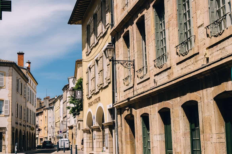 Burgund - Die mittelalterlichen Gassen von Cluny 2