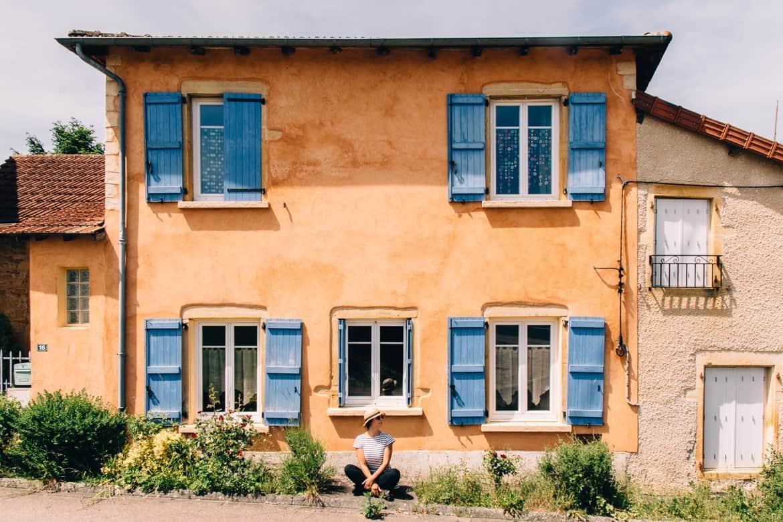 Auvergne / Loire: So schön ist Wandern in und um Charlieu, schöne Bauernhäuser