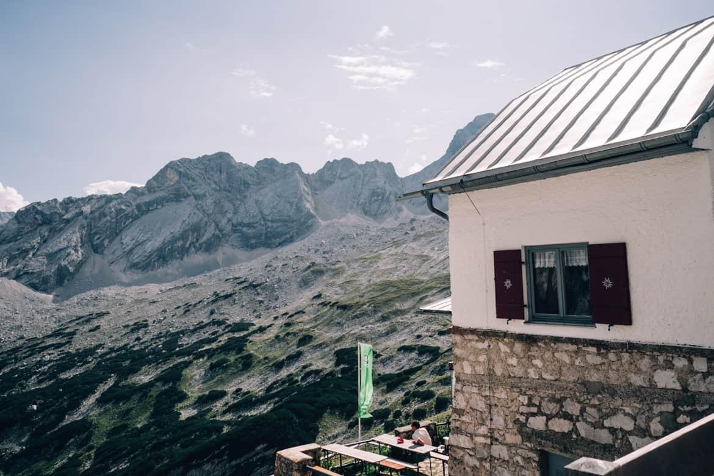 Die schönsten Leseorte & 10 Buchtipps für Wanderer #tolinohotspots