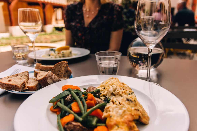 Troyes - Ein Tag im Herzen der Champagne: Vegetarisches Essen im Restaurant Chez Felix