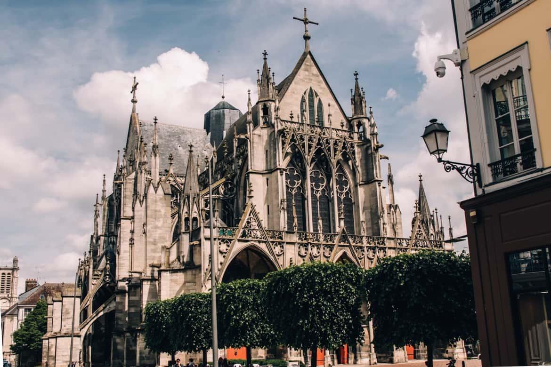 Troyes - Ein Tag im Herzen der Champagne: Sightseeing z.B. Basilique Saint-Urbain