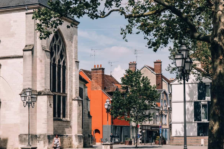 Troyes - Ein Tag im Herzen der Champagne: Sightseeing / neben der Basilique Saint-Urbain