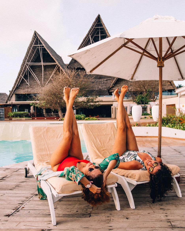 Sansibar - Tipps, Ausflüge und Must-Sees für die Trauminsel in Tanzania: Entspannen am Infinity Pool des Essque Zalu Zansibar