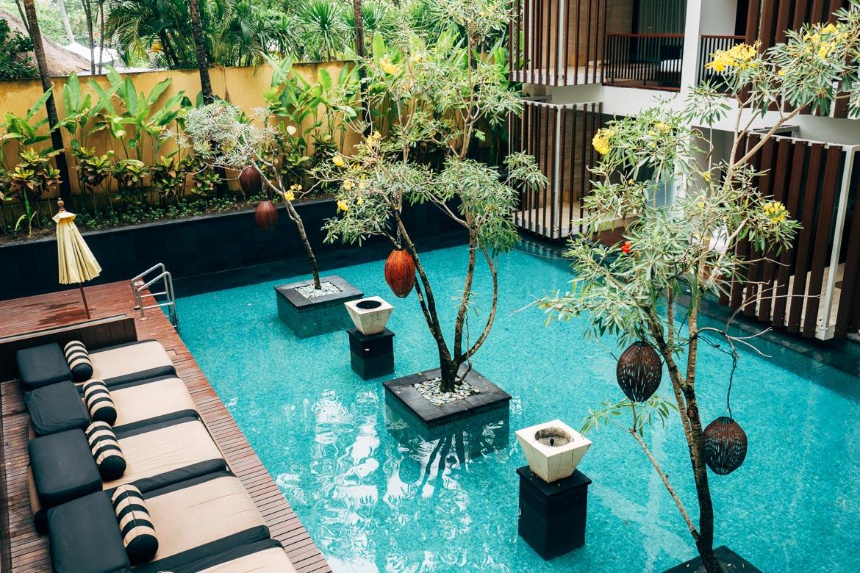 Anantara Seminyak, Bali - Innenhof-Pool
