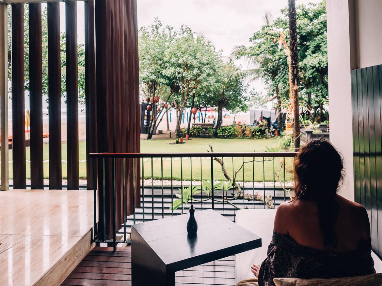 Anantara Seminyak, Bali - Blick von Balkon zum Meer