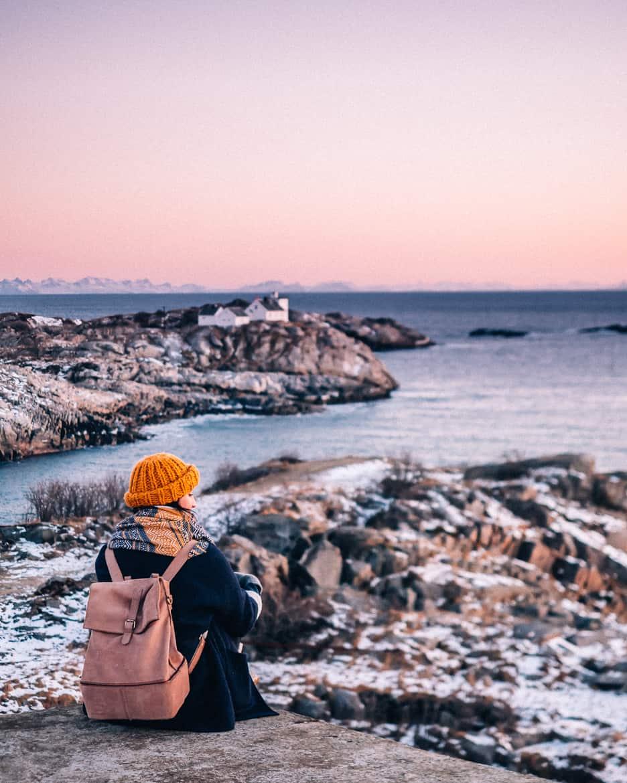 März Update - Die Nordländerin in mir und wie ich mich in die Lofoten verliebte: Sonnenuntergang über Henningsvær