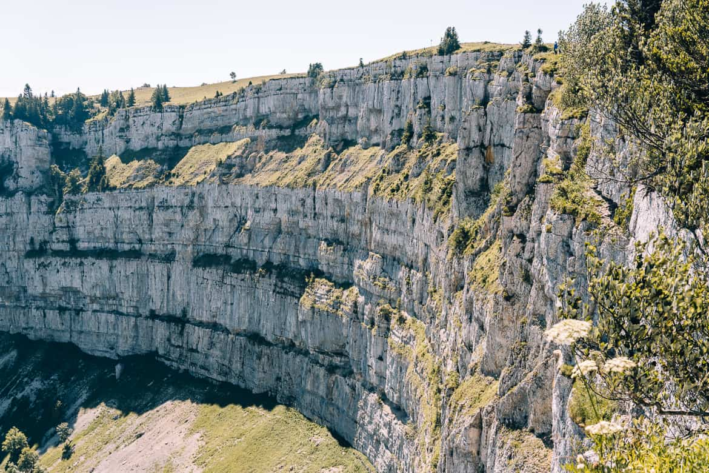 Jura & Drei-Seen-Land - 6 besondere Orte zum Natur genießen - Felsenzirkus Creux du Van