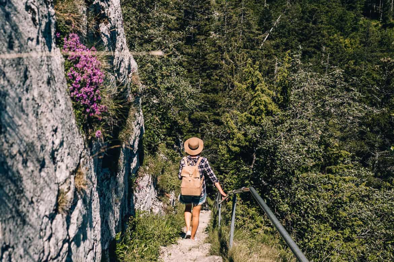 Jura & Drei-Seen-Land - 6 besondere Orte zum Natur genießen - Treppenstufen auf dem Sommetre Grat