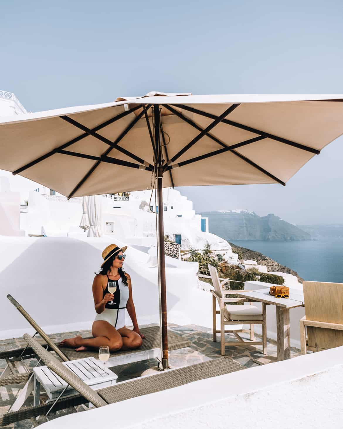 Santorini Travel Guide: The Ivory Suite, Terrasse