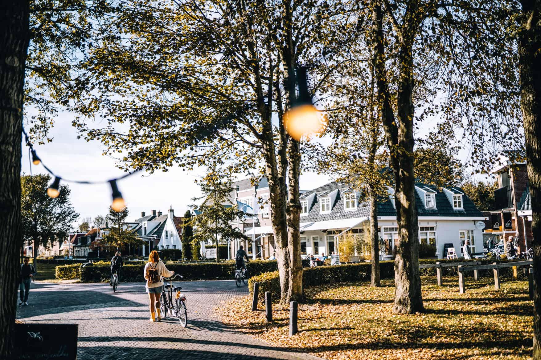 Schiermonnikoog Stadtbummel mit dem Fahrrad