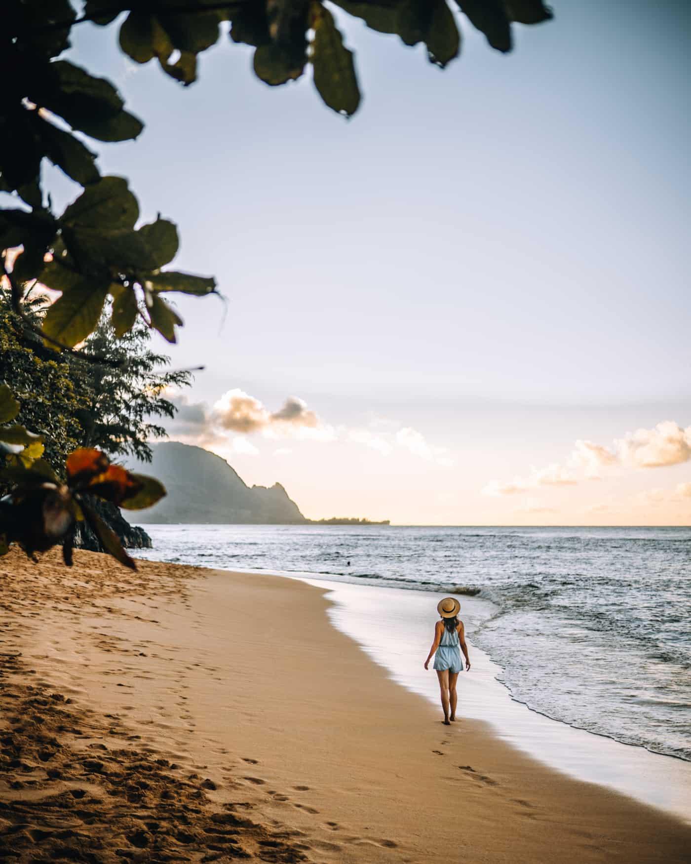 Kauai - Strände, Wandern & Ausflugsziele: Die Garteninsel von HawaiiKauai - Strände, Wandern & Ausflugsziele: Sonnenuntergang am Hideaway Beach in Priceville