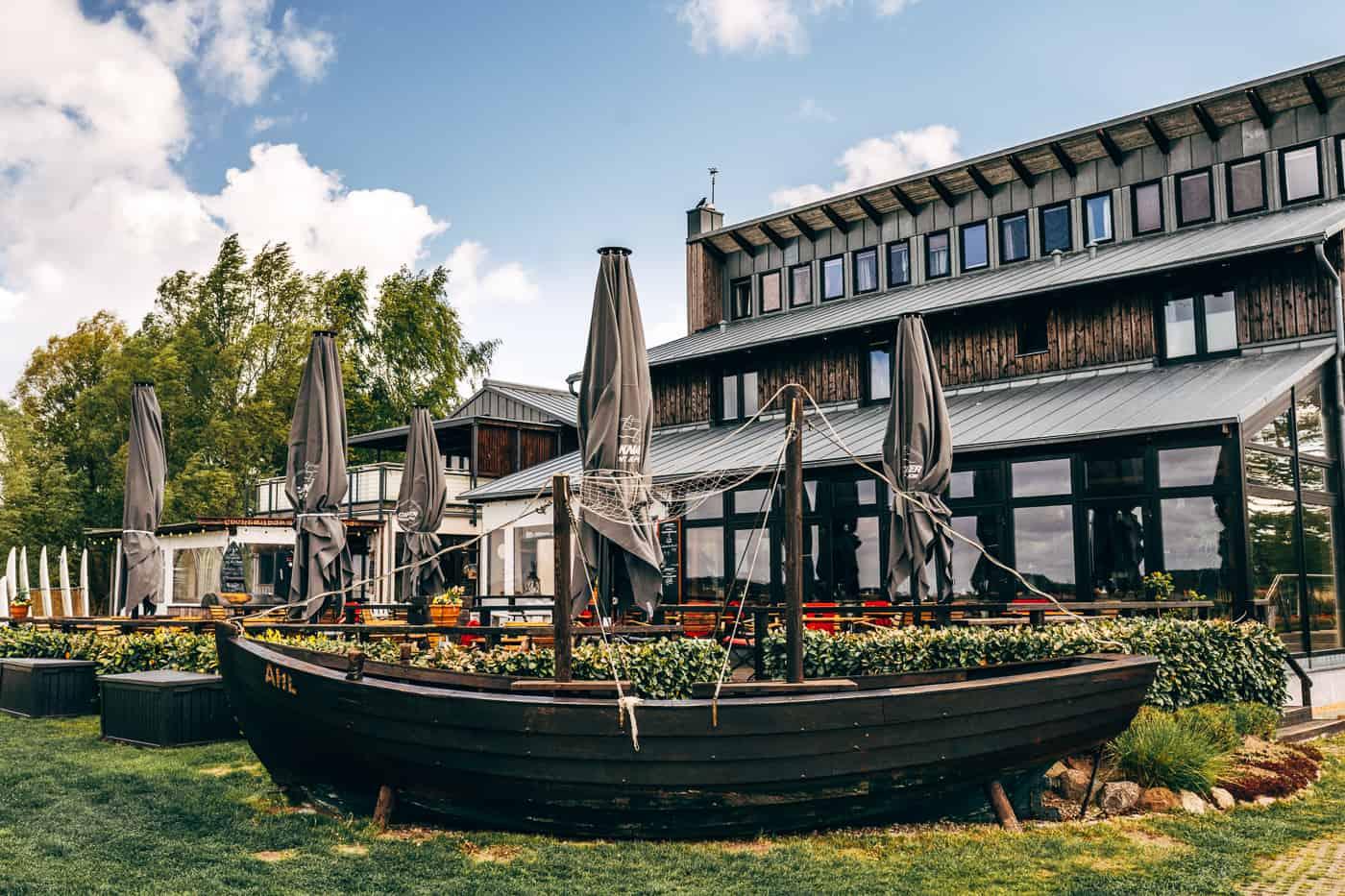 Usedom mit Hund - Café Knatter direkt am Acherwasser in Ückeritz