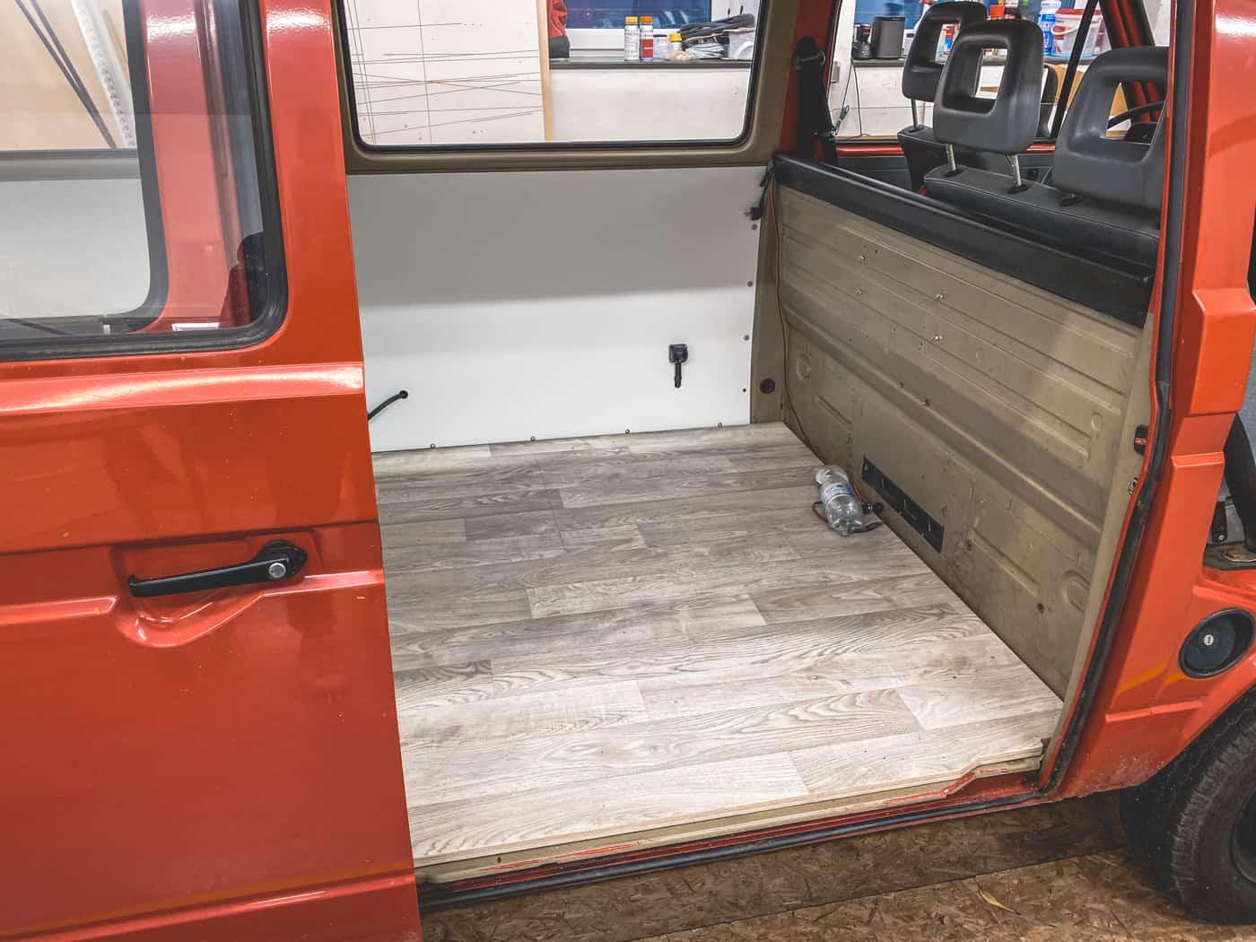 Bulli Ausbau Vom historischen Feuerwehrfahrzeug zum